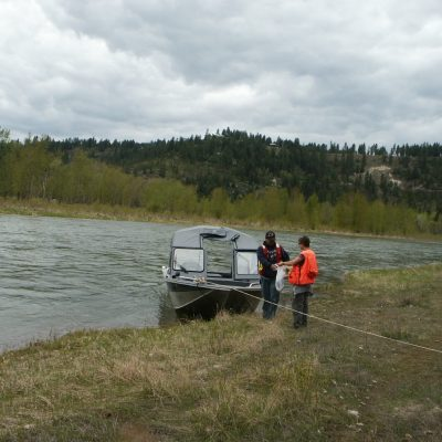 Tim Hatten visits sampling sites with Kootenai tribal biologist at a boat-access site only